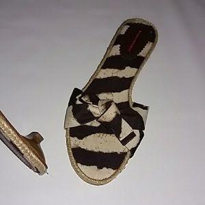 New BANANA REPUBLIC Animal Print Sandals 10